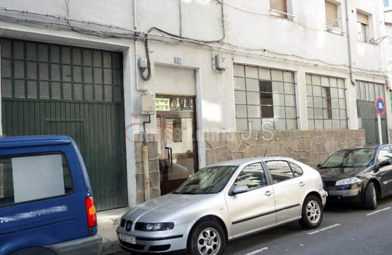 Se alquila local en Eibar